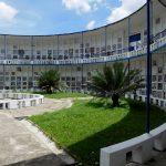 Zweistöckig als Rondell gebauter Friedhof