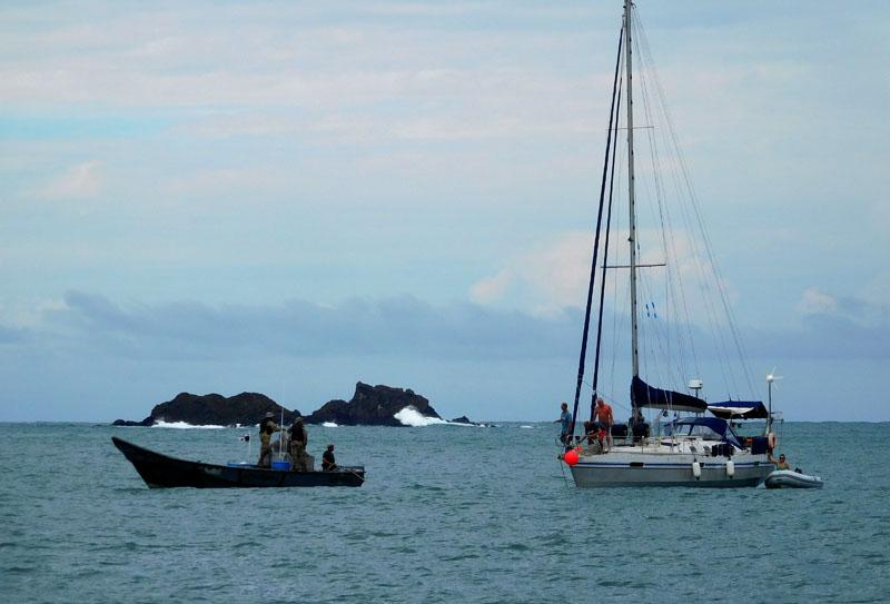 Rettung vor den Felsen mit Hilfe der Küstenwache