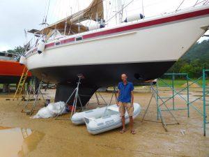 Schickes Schiff, schickes Schlauchboot