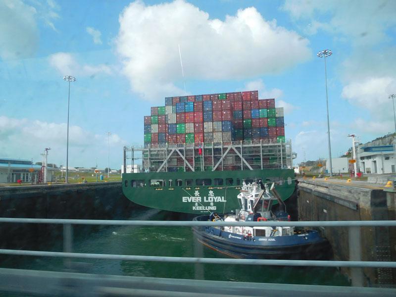 Die neue Schleuse mit richtig großen Schiffen