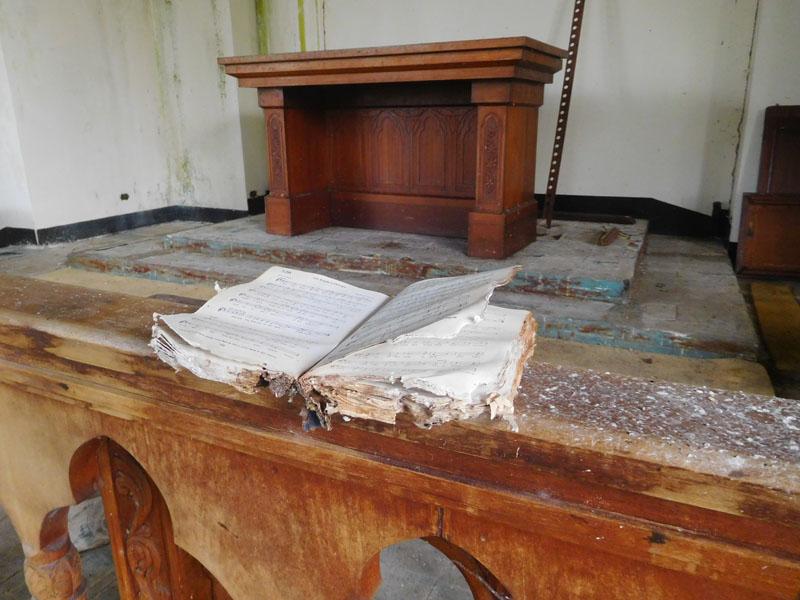 in der ehemaligen Kirche