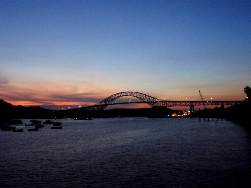 Brücke der Amerikas - großartig