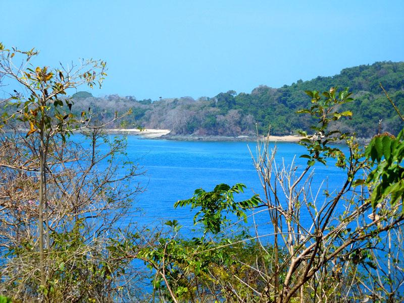 Schon der Blick zur nächsten Insel