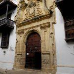 das schöne Portal des Inquisitionspalastes
