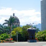 Alt, neu und Kunst in Medellin