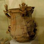 Typische Urne aus einer Grabkammer