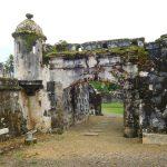 Überreste der Wehranlage in Portobelo
