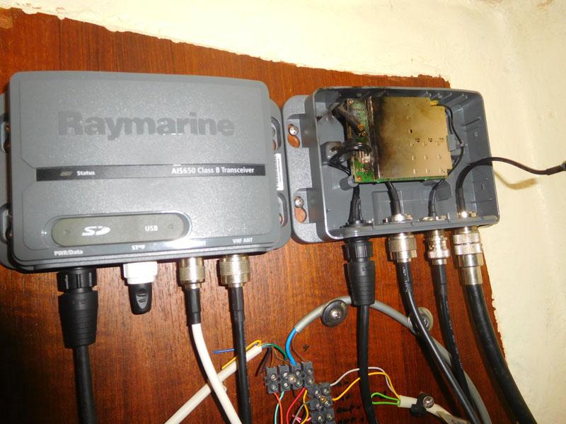 verkohlter Antennen-Splitter