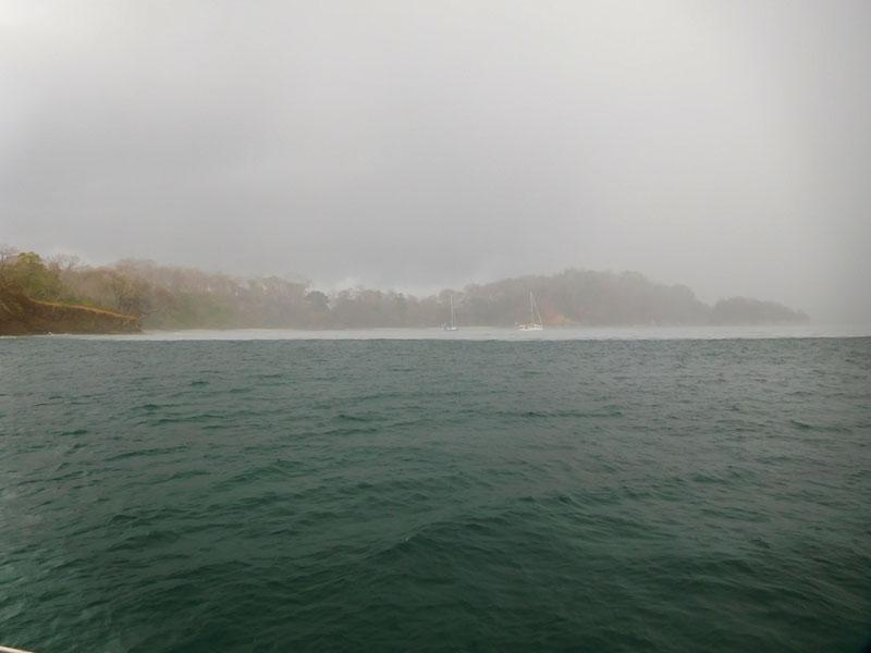 Beeindruckend ist die Regenfront erkennbar