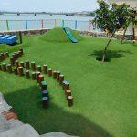 Steriler Spielplatz im 'Casco Viejo' mit Kunstrasen - für Kinder, die hier gar nicht wohnen