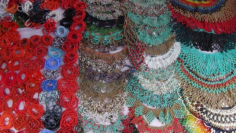 Schmuck der Otavalo-Frauen