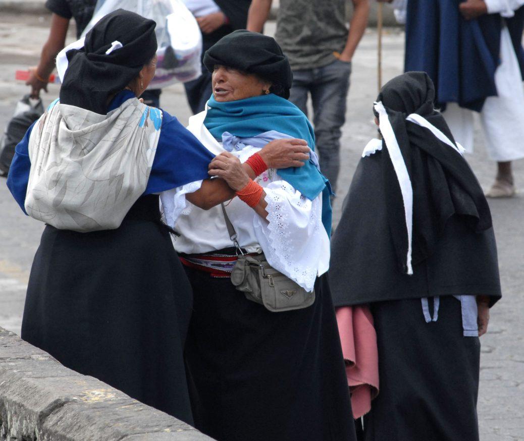 Typische Frauen in Otavalo