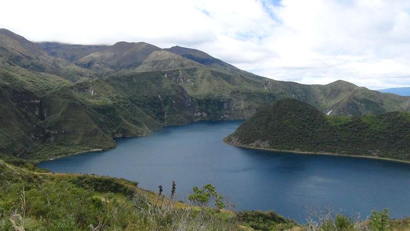 Schöne Lagune im Naturschutzgebiet Cotacachi