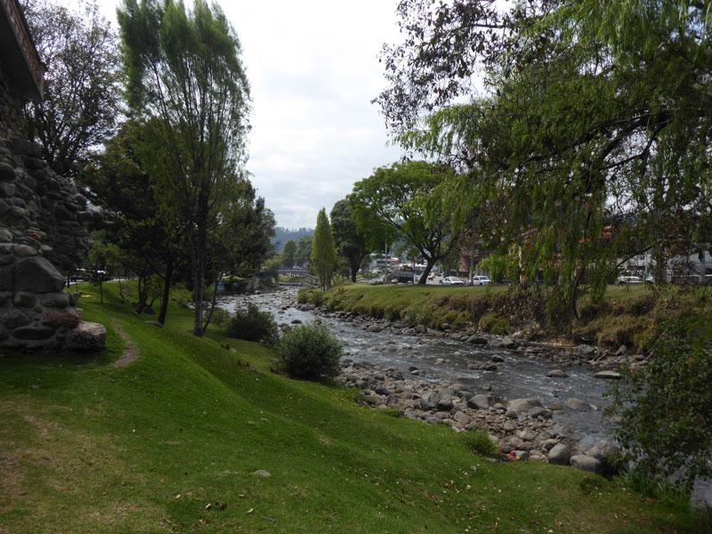 Der Tomebamba schlängelt sich durch Cuenca