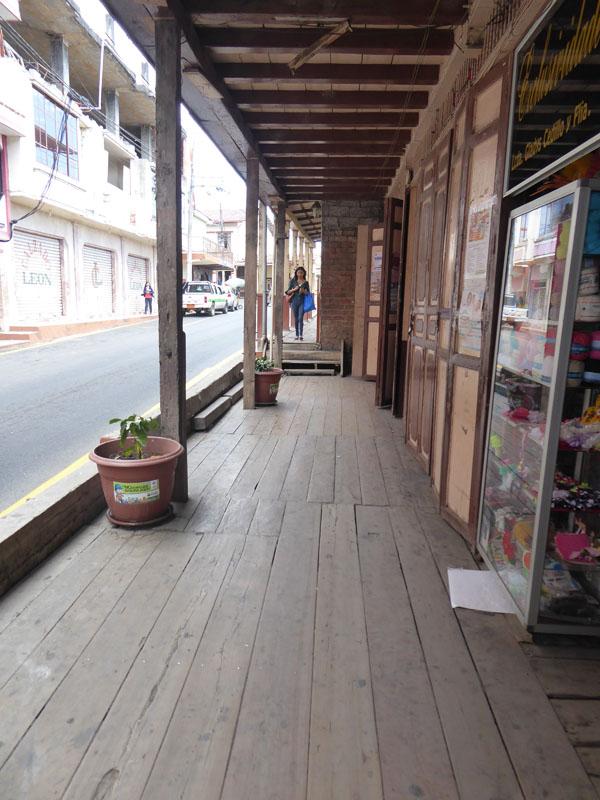 Holz-Bürgersteige
