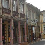 Hundert Jahre alte Holzhäuser