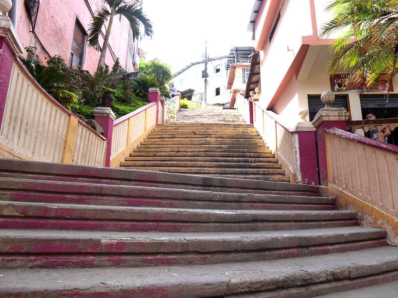 und Stiegen und Treppen