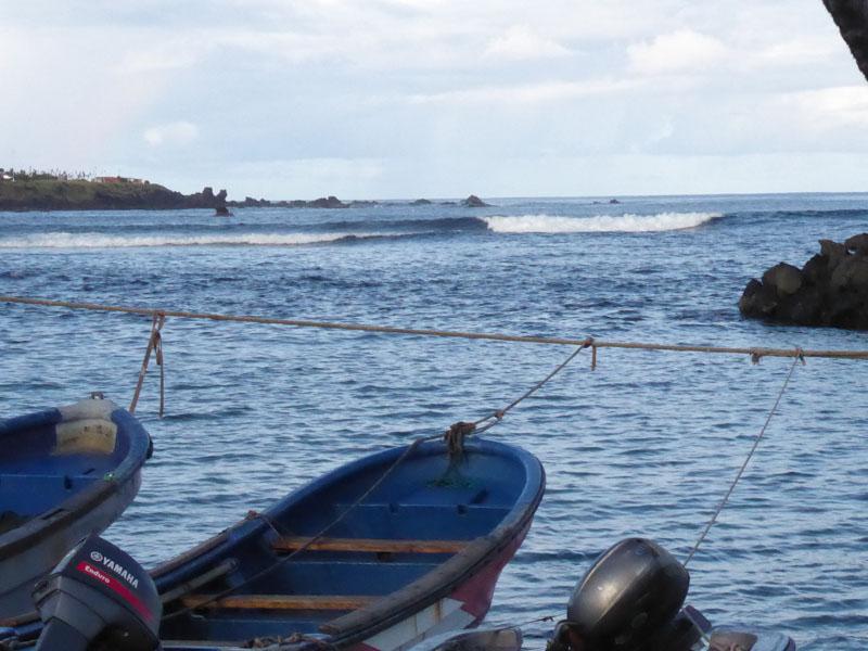 Die Welle vor der Hafeneinfahrt
