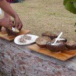 Kokosschalen als Teller - davon gab es leider nicht genug