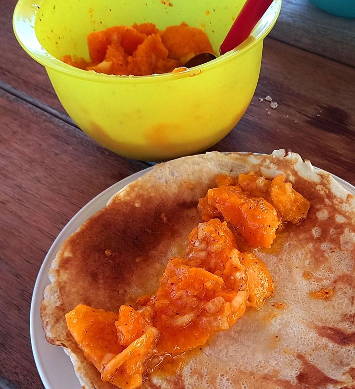 Papaya Salat ... die kleinen Punkte sind Chili